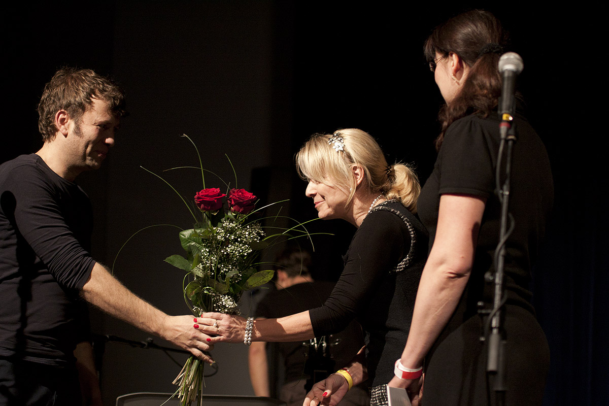 Výtěžek koncerto putuje ústecké onkologii (1)