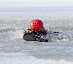 Měření ledu ve Varvažově (7)